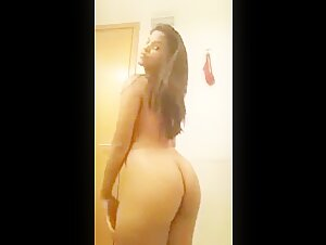 My Gf Showing Naked Body on Video