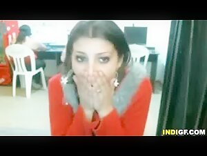 Indian Girl Gets Naked In Cyber Cafe