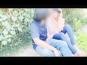 Hijab desi girl fucked in jungle with her boyfriend