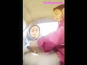 Pakistani Boy Fucking Maa ki bahen (Khala) in car