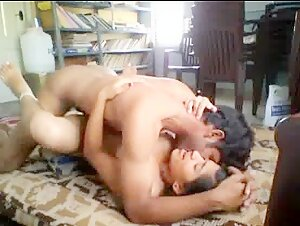 Indian girl enjoying with his boy friend at home full video
